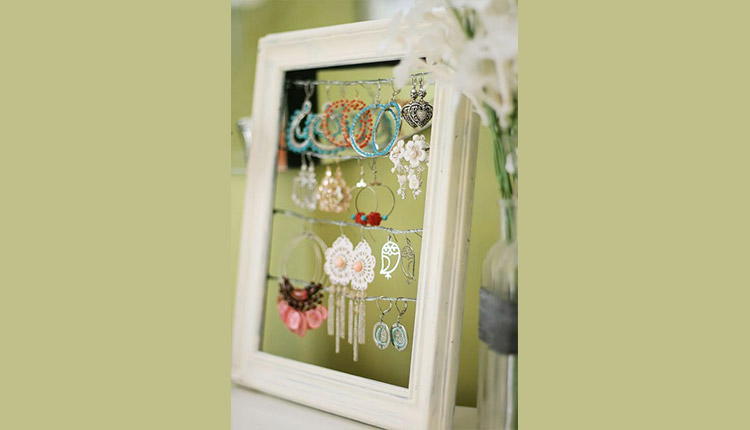 Turn an Old Photo Frame into an Earring Holder